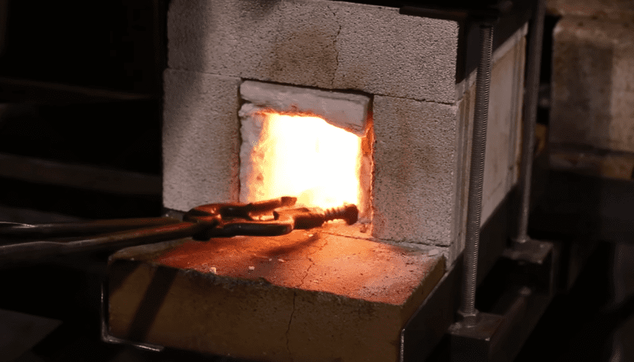 How to build a forge at home