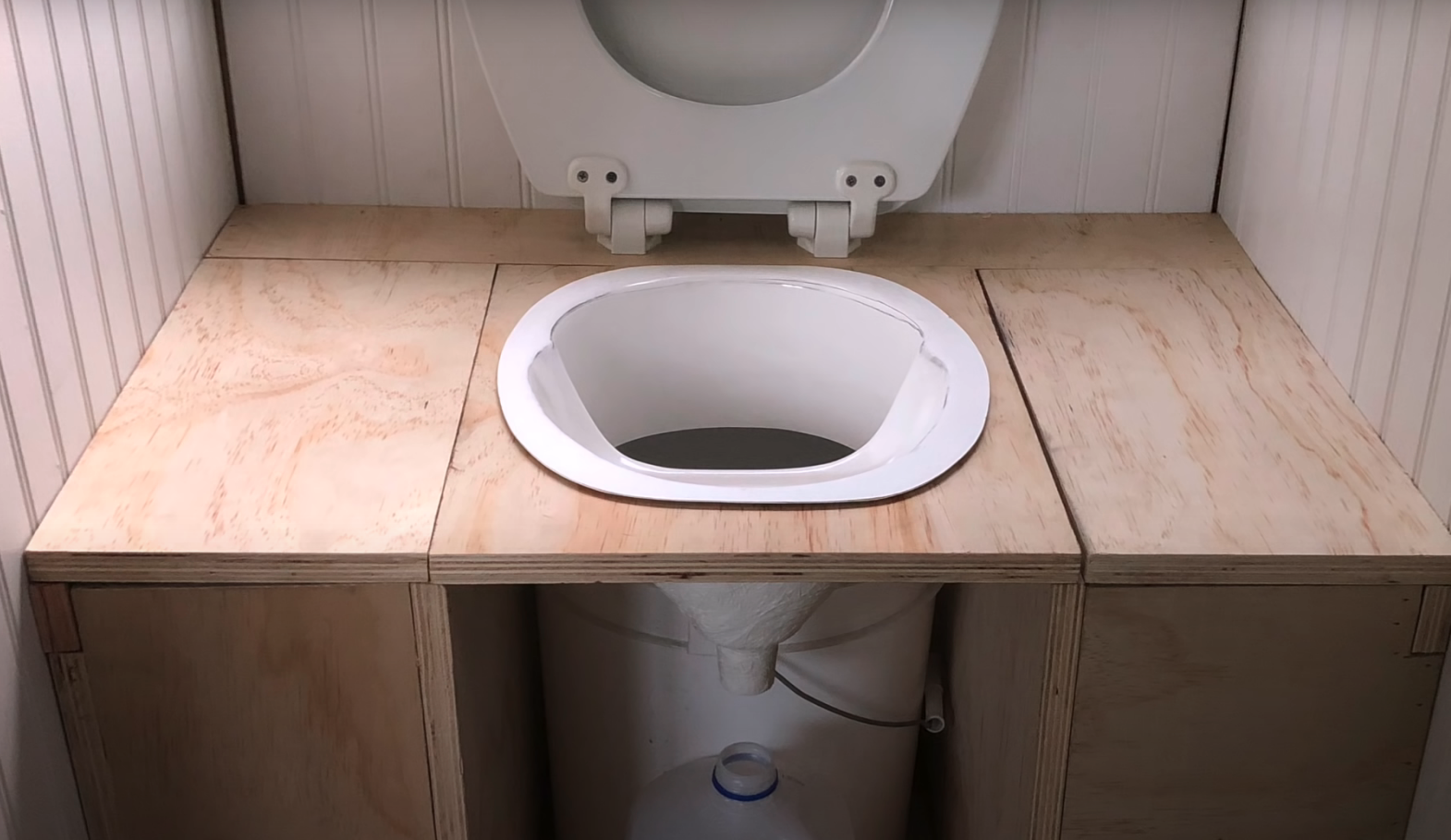 How to build a diy composting toilet